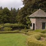 House of Glenmuick is situated on the well kept grounds of Glenmuick Estate.