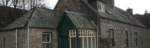 The Gardeners cottage is a recently renovated cottage in the heart of Glenmuick Estate.