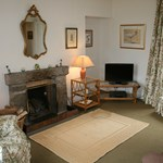 Antlers Cottage offers accommodation for up to 4 guests on the grounds of Glenmuick Estate.