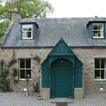 Glenmuick Estate offers smaller accommodation including the Antlers Cottage for up to 4 guests.